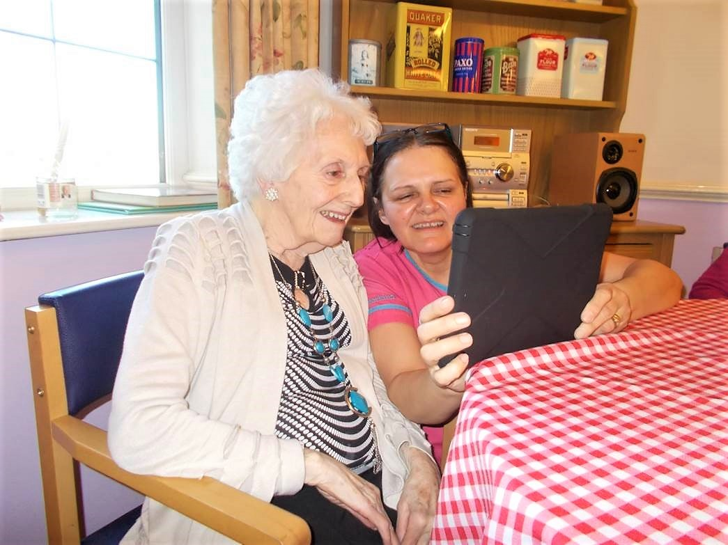 Hall Park Care Home residents keep up with their loved ones with our new Magic Moments Club App