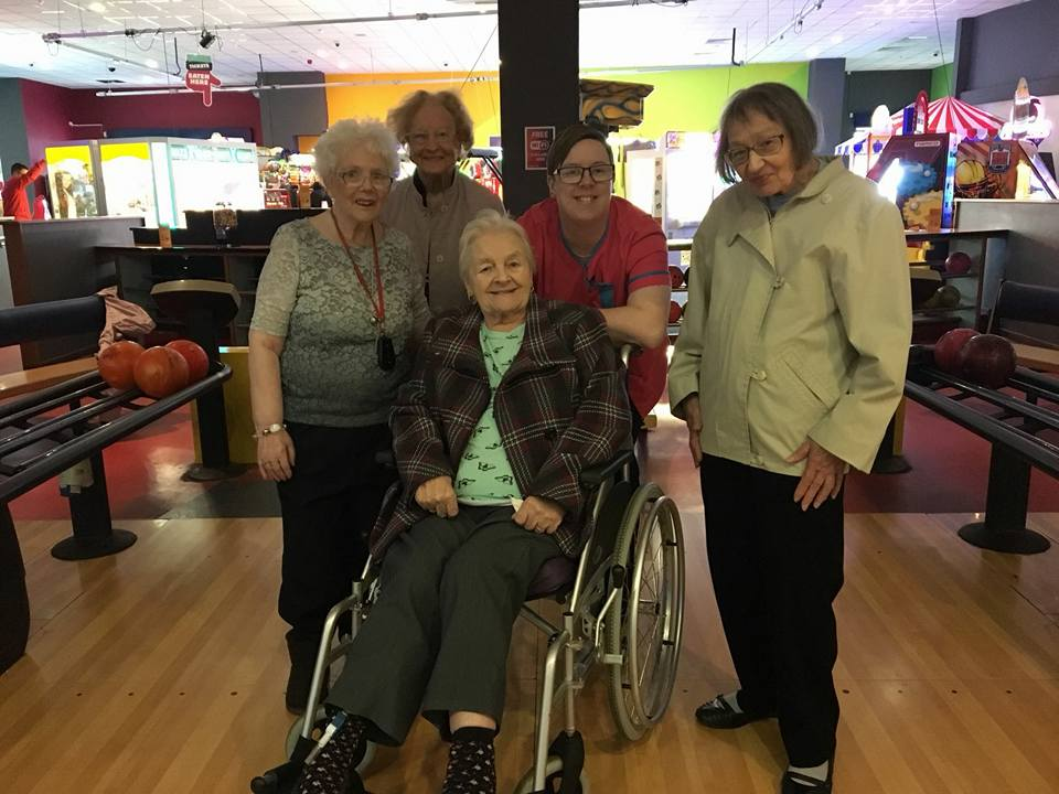 Jean, Ruth, Lil, Nicky and Mo at the ten pin bowling alley