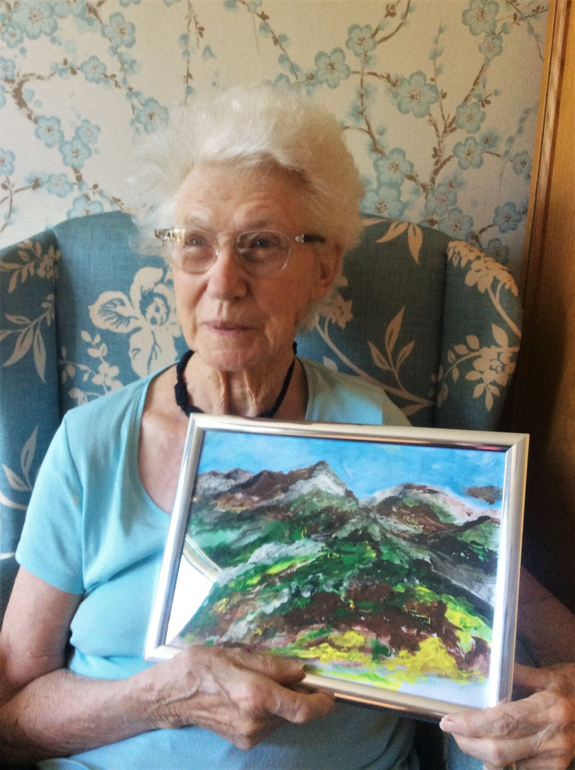 Resident at Claremont Parkway Care Home in Kettering rediscovers talent for painting