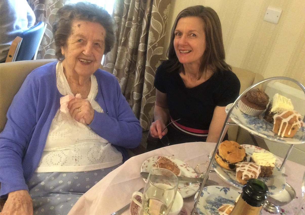 Elm Bank Care Home, Northamptonshire-Resident Mabel with her daughter Alison