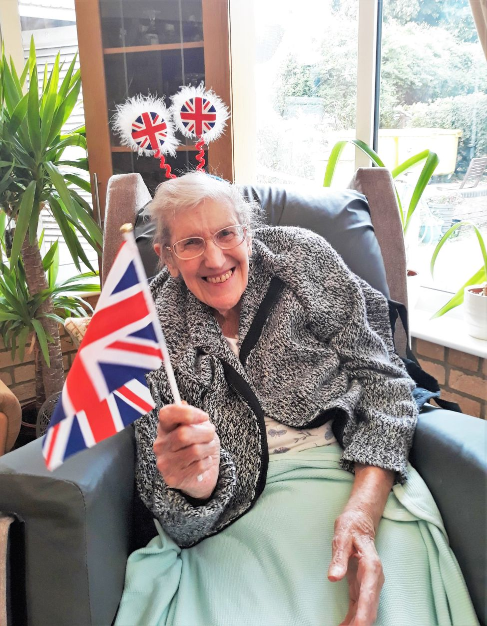 Residents at Highfield Care Home in Ware celebrate the Last Night of the Proms