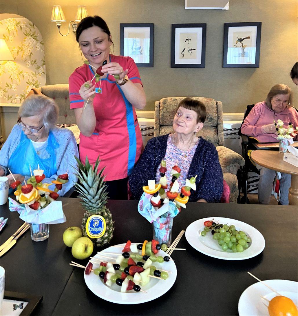 Mill House Care Home, Oxfordshire-Doreen, Katarina, Mavis and Valerie making fruit kebabs