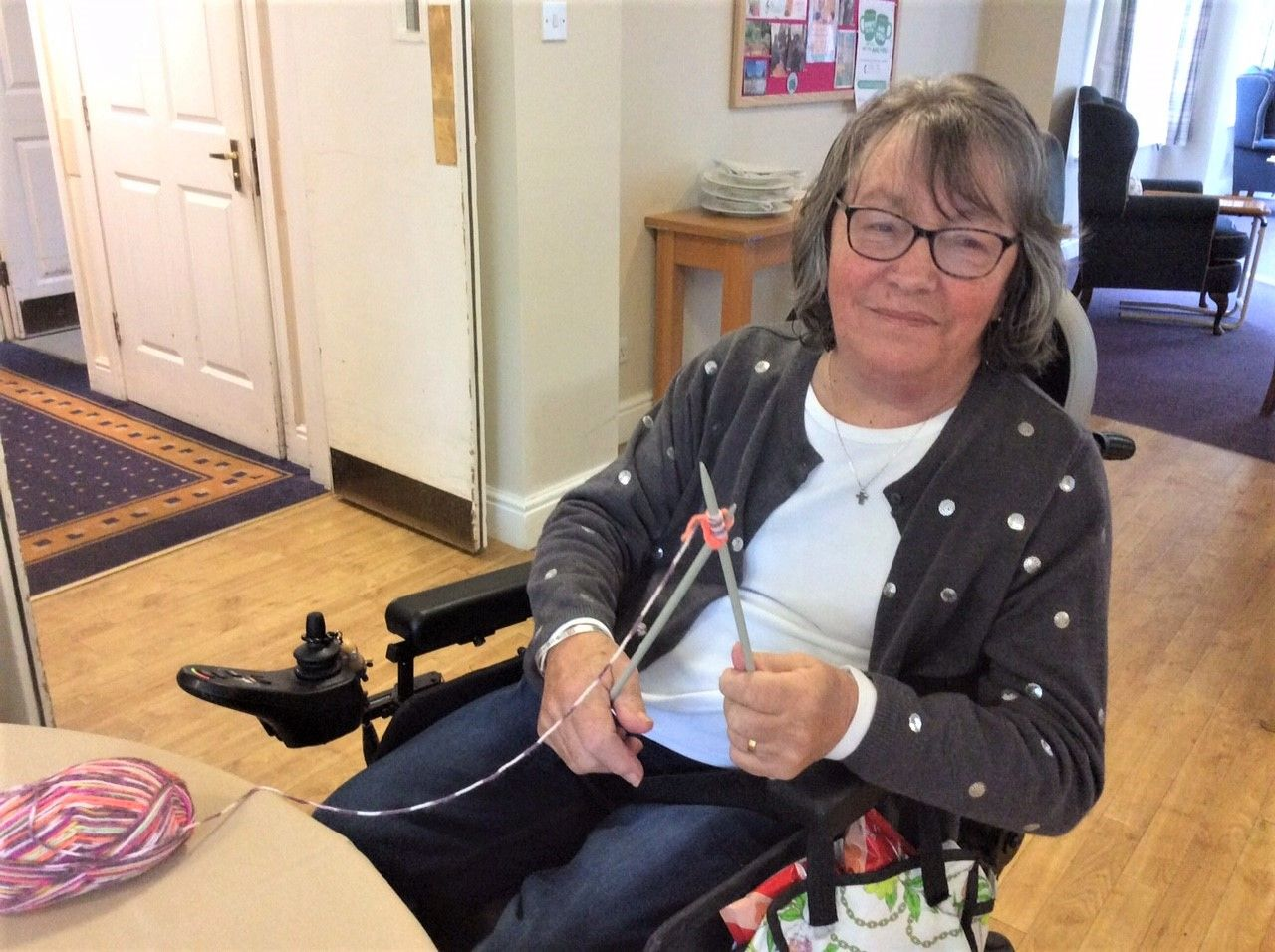 Flowerdown Care Home in Winchester learn how to knit for the day