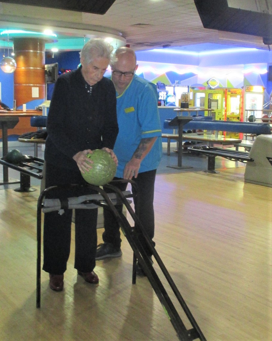 The Grange Care Home, Lancashire-Our winning bowler Vera with Care Assistant Norman