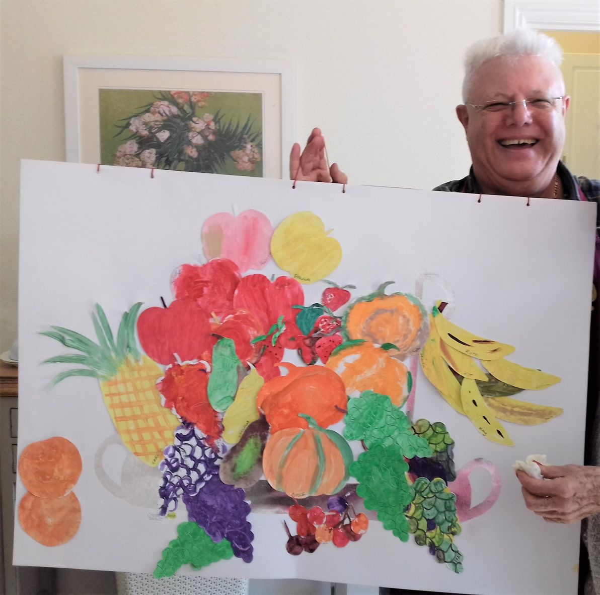 Woodbury House Care Home, Berkshire-Johnny from Creative Mojo holding up one of our masterpieces