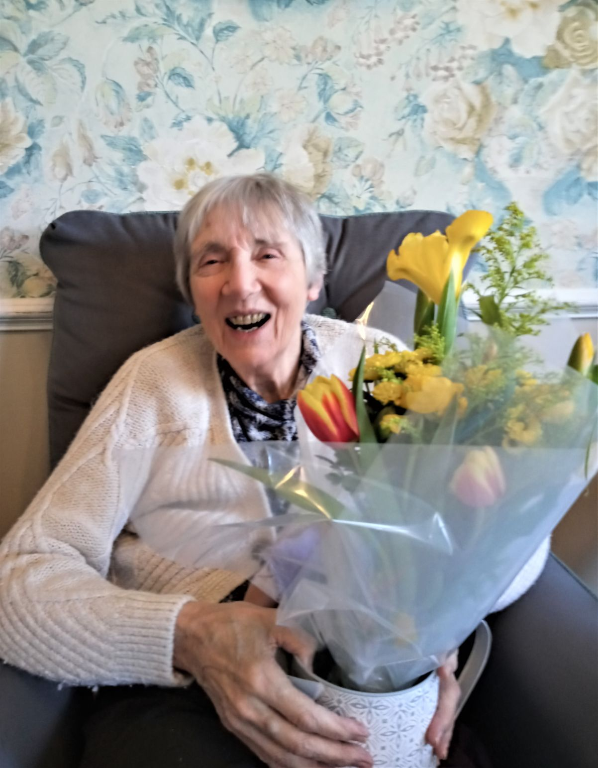Woodbury House Care Home, Berkshire-Sheila was delighted with her beautiful flowers