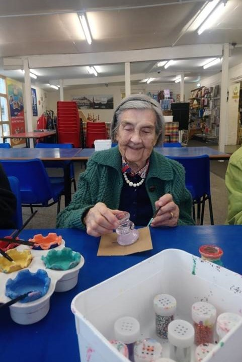 Crabwall Hall Care Home's crafty day out to the Candle Factory