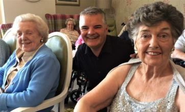 Buchanan Lodge Care Home, Glasgow-Singer Michael Patterson with residents Betty and Helen