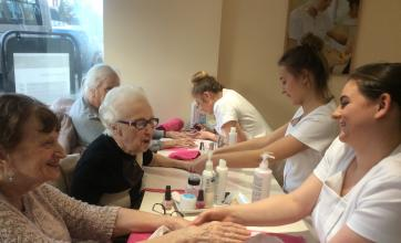 Residents and students had a good natter during the hand massages