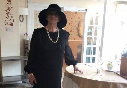 The Berkshire Care Home in Wokingham stepped back in time to solve the mystery in Hitchcock's thriller 39 Steps. Team Member Rowe hosted the proceedings in vintage dress