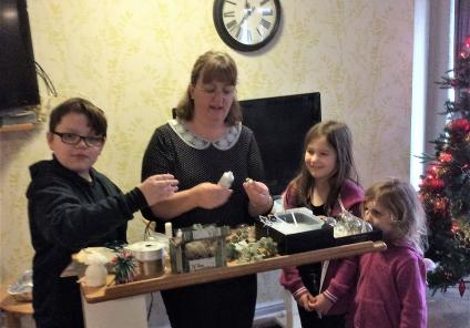 Albany Care Home, Oxfordshire. Volunteer Sally visited and held a bauble making workshop with the help of our residents' grandchildren