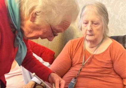 Hamilton House Care Home, Buckingham-Edna shows Catherine how to cast on