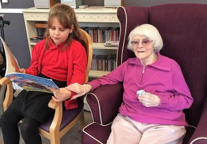Resident Mary loved meeting the children and being read to