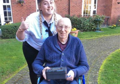 Elm Bank Care Home in Kettering enjoyed a mystery clue hunt throughout the home in teams. Resident Charles and Magic Moments Club Co-ordinator Nicole found the treasure hunt in the garden
