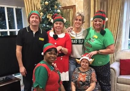 The Lawns' team members looked the part in their Elf costumes and hosted an Elf Quiz for the residents!