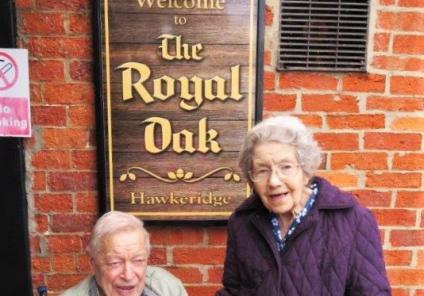 Residents Roy and Sylvia enjoyed a joint Wishing Well to celebrate their 90th birthdays together at their favourite pub.