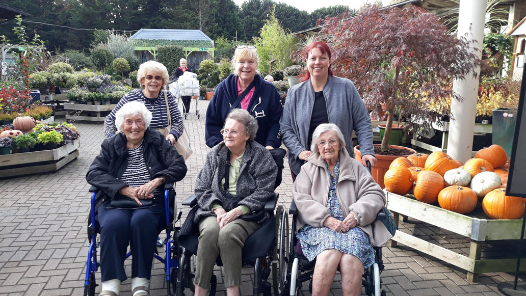 Highfield Care Home in Ware visit the local garden centre